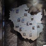 Plansza przestrzenna, druk UV bezpośrednio na płycie. Wystawa 966 Chrzest oblicza chrystianizacji - Muzeum Archeologiczne w Krakowie 2016