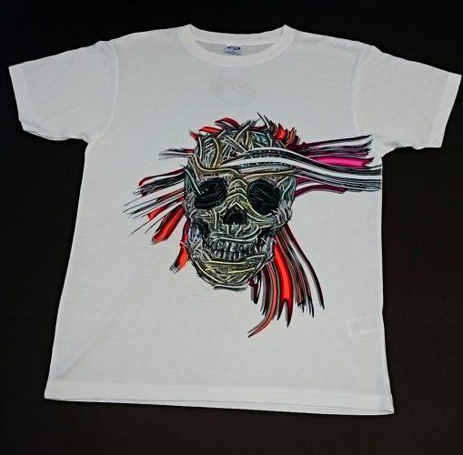 T-shirt znadrukiem indywidualnego projektu S.Gomułki